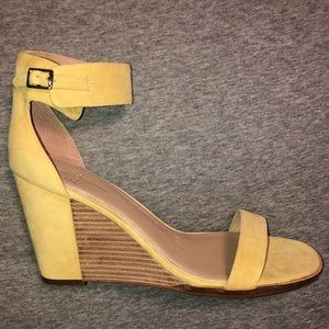 Linea Paolo Elodie Wedges Sandals